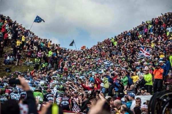 Público en el Tour de Francia 2014