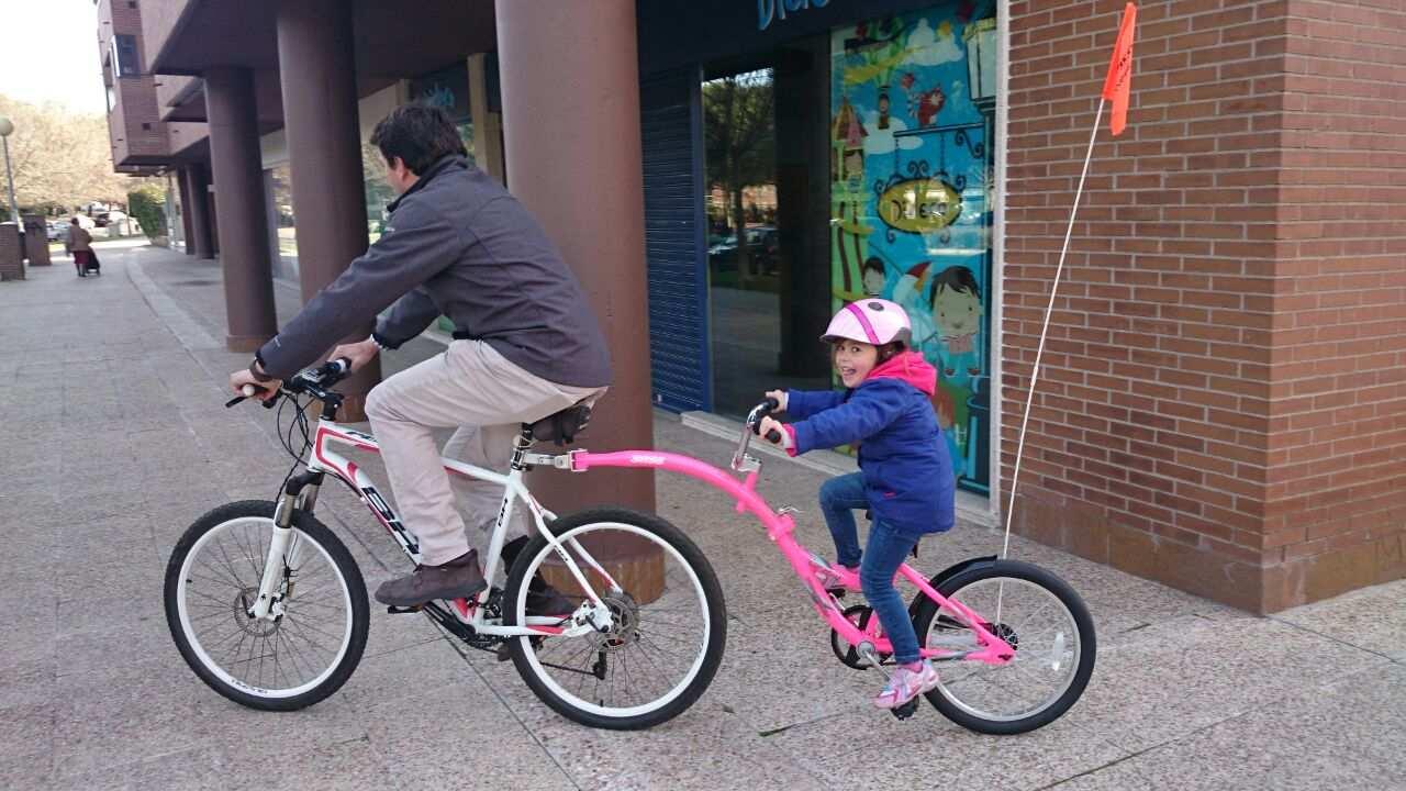 Probamos la weeride co pilot para montar en bici con ni os for Sillas para nino de 5 anos