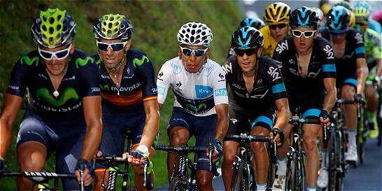 Quintana y Valverde al frente del pelotón en este Tour