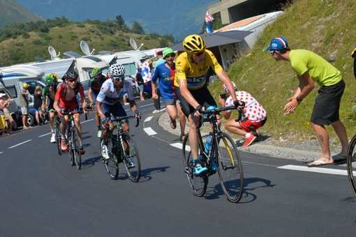 Tour de France 2015 - 11/07/2015 - 11ème Etape - Pau / Cauterets - Vallée de Saint-Savin- 188Km - Christopher FROOME (SKY) en tête du groupe de poursuivants, devant Nairo QUINTANA (MOV) et Greg VAN AVERMAET (BMC)
