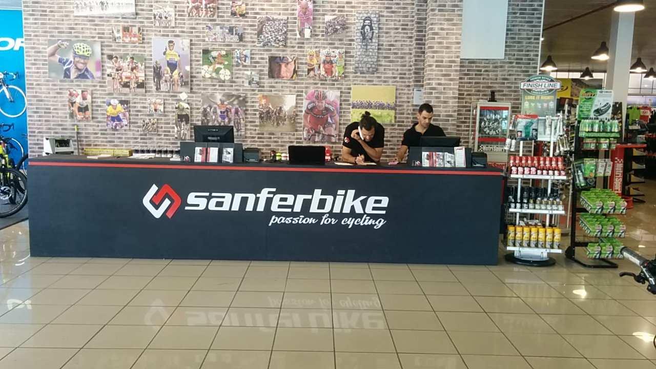 Entrada a la nueva tienda de Sanferbike