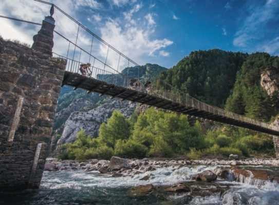 Un puente en los Pirineos