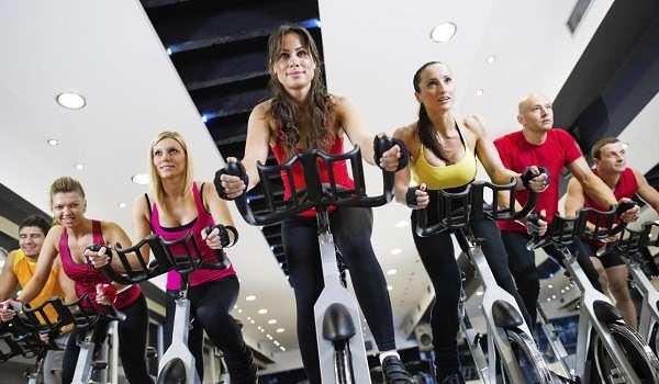 Clase de ciclo indoor. Foto de www.cimformacion.com