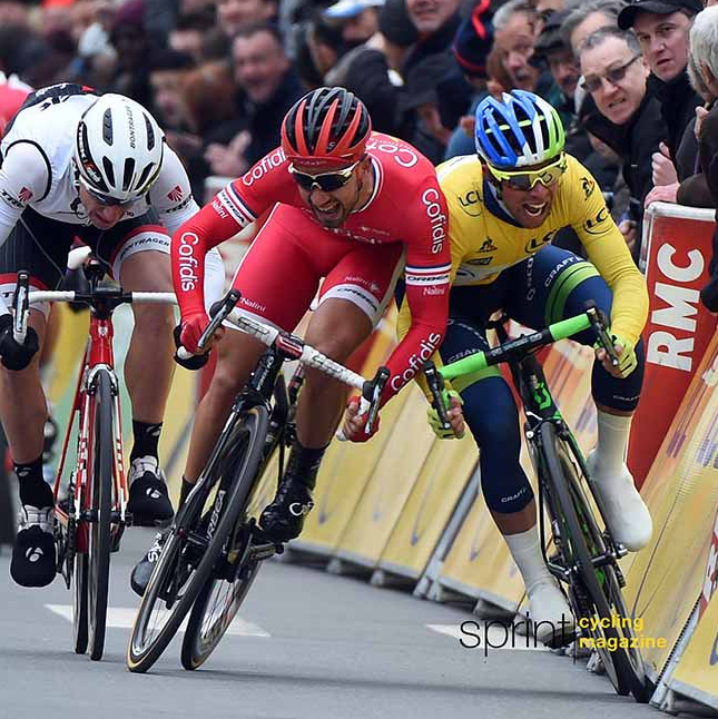 Codazo sprint Paris Niza