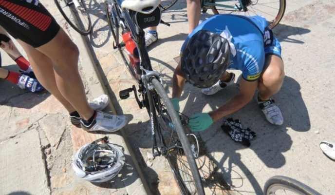 Más de una vez nos hemos visto así... Imagen de ciclismoafondo.es