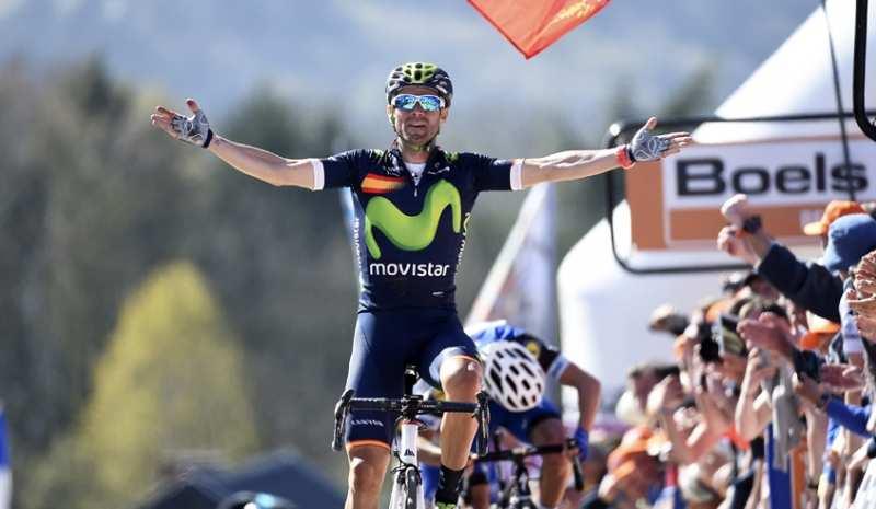 Valverde ganando en uno de sus sitios favoritos El Muro de Huy