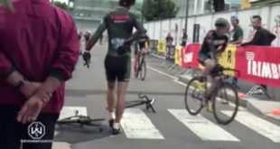Imagen del ciclista y la bicicleta partida en dos