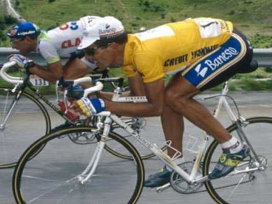 Indurain y Rominger en el descenso del Tourmalet