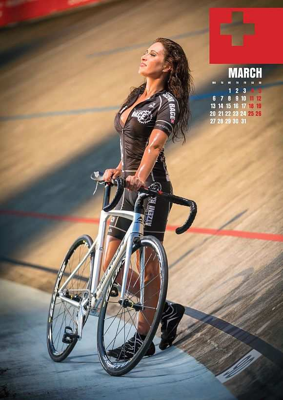 rb-sexy-cycling-kalender-maerz2017-kathleen-jpg-10793200