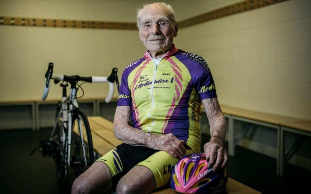 Foto de Twitter del ciclista de 105 años
