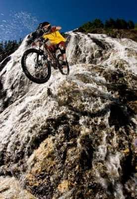 sueldo ciclista aventurero