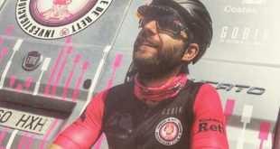 Dani Rovira en asumiento el 'Retto' en bicicleta