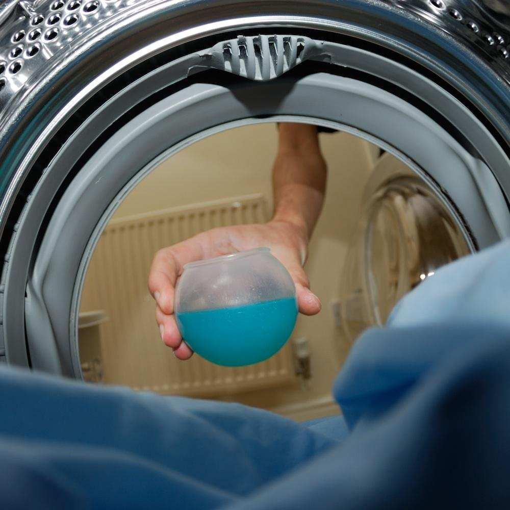 Mucho ojo a cómo y con qué lavas tu ropa de ciclismo