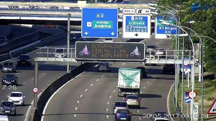 Mensajes de ciclismo en paneles de carreteras