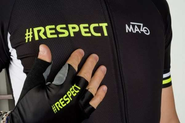 Maillot y guantes El Mazo Respect