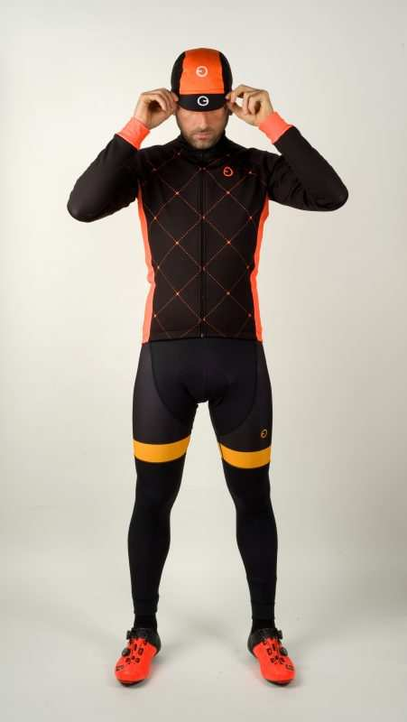 ropa ciclista naranja