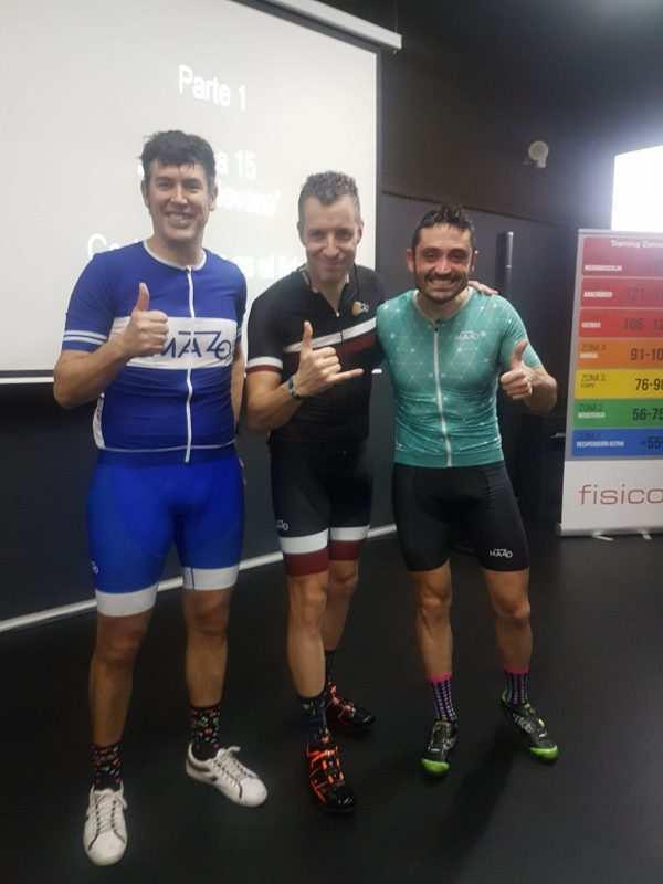 Gonzalo, Ernest y Oscar en un entreno en Indoor