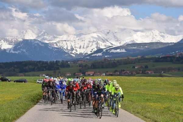 El Tour de Romandía nos deja imágenes tan bonitas de Suiza como ésta