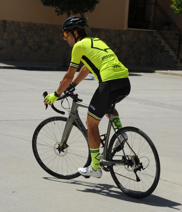 Maillot alta visibilidad ciclismo
