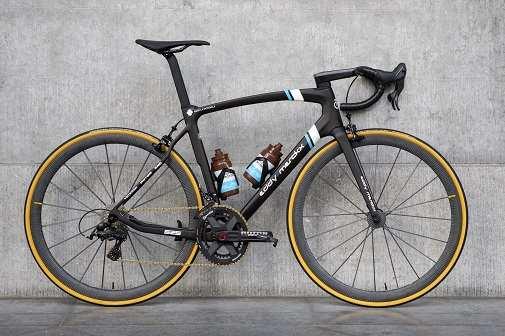 La bicicleta del AG2R La Mondiale Eddy Merckx 525