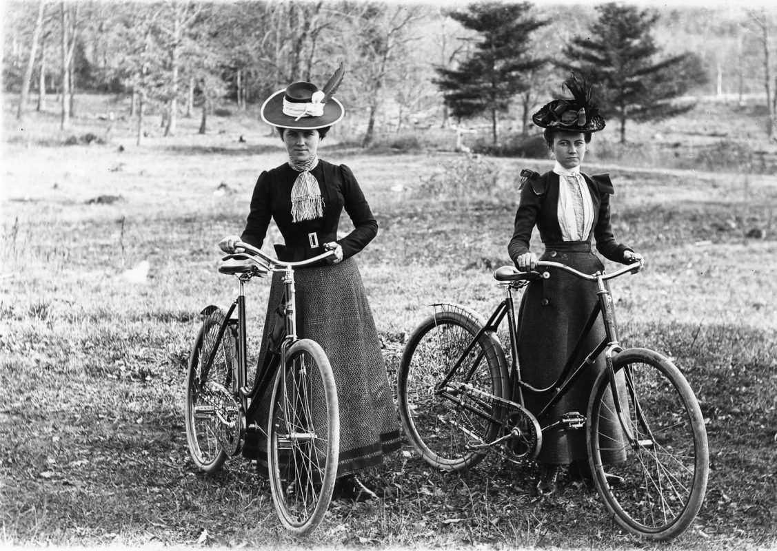 pioneras bicicleta