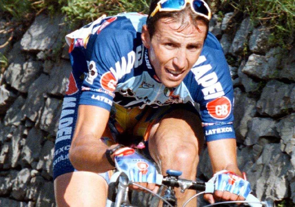 Andrea Tafi con el maillot de Mapei