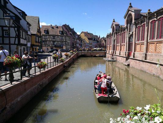 Imagen de la bella localidad alsaciana de Colmar, donde finalizará la etapa