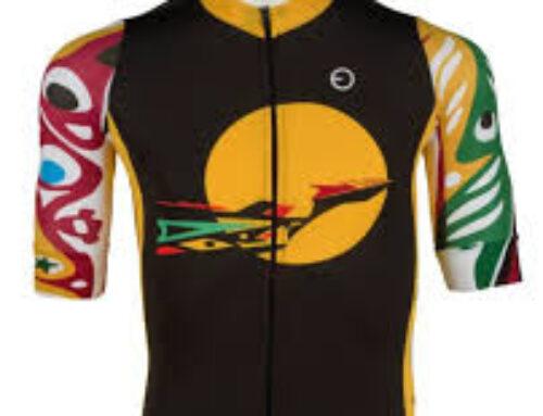 Ayúdanos con este reto solidario de Bicicletas Sin Fronteras y puedes llevarte un maillot del Tío del Mazo muy especial