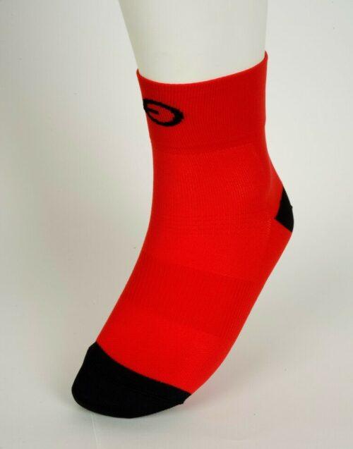 calcetín rojo de ciclismo